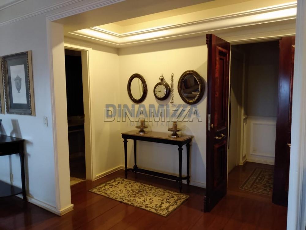 Alugar Apartamento / Padrão em Uberaba apenas R$ 2.200,00 - Foto 7