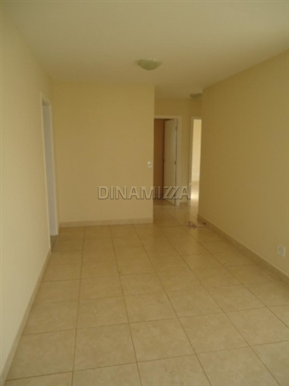 Alugar Apartamento / Padrão em Uberaba apenas R$ 1.200,00 - Foto 3