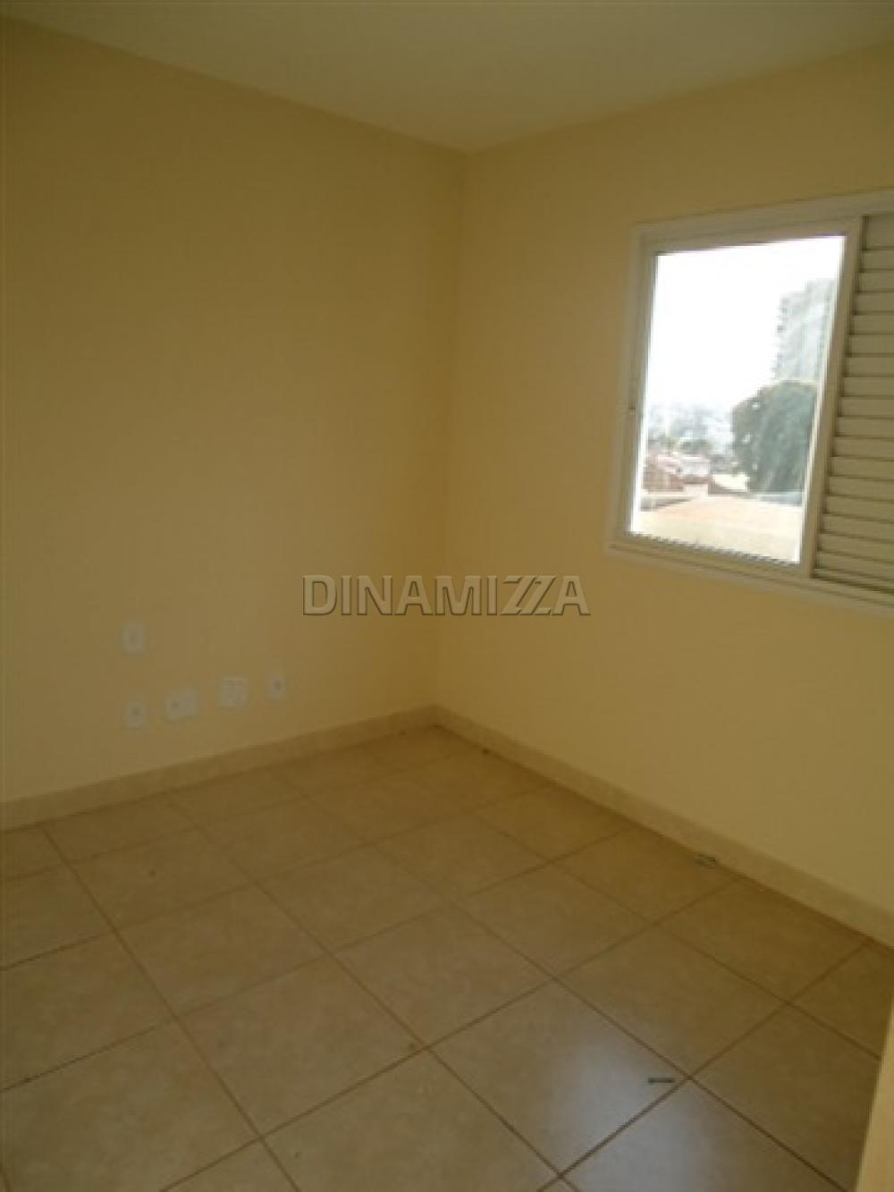 Alugar Apartamento / Padrão em Uberaba apenas R$ 1.200,00 - Foto 5