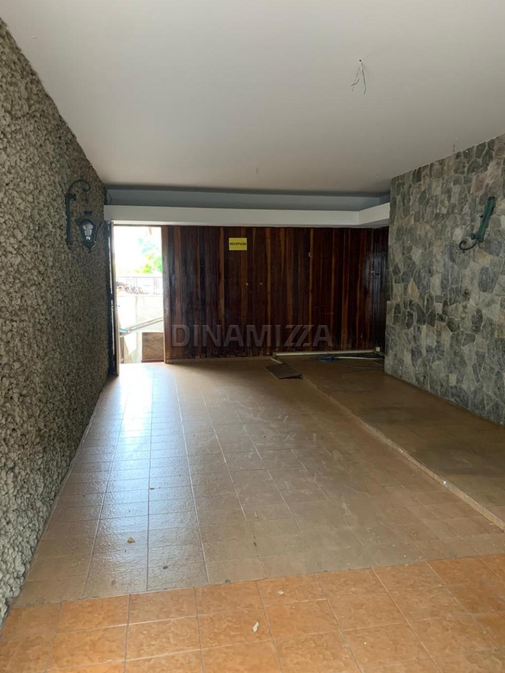 Alugar Casa / Padrão em Uberaba R$ 2.800,00 - Foto 2