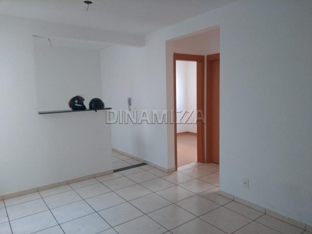 Comprar Apartamento / Padrão em Uberaba apenas R$ 135.000,00 - Foto 1