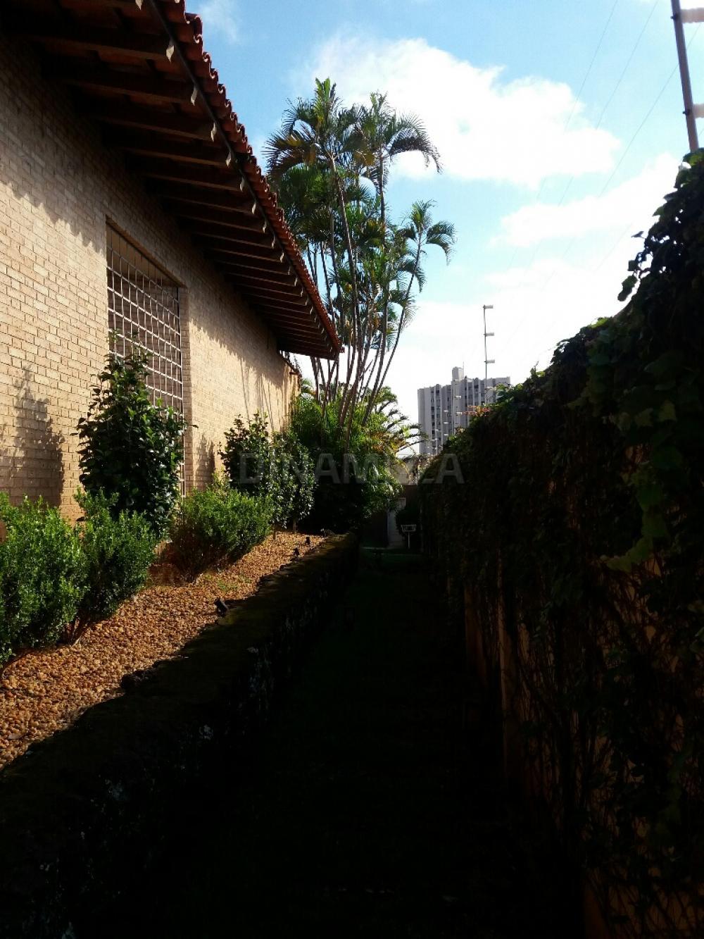 Comprar Casa / Padrão em Condomínio em Uberaba R$ 1.650.000,00 - Foto 3