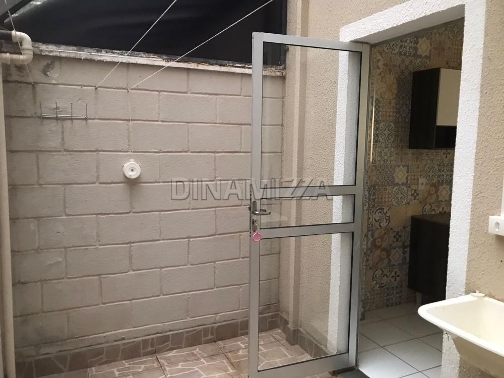 Alugar Apartamento / Padrão em Uberaba R$ 600,00 - Foto 4