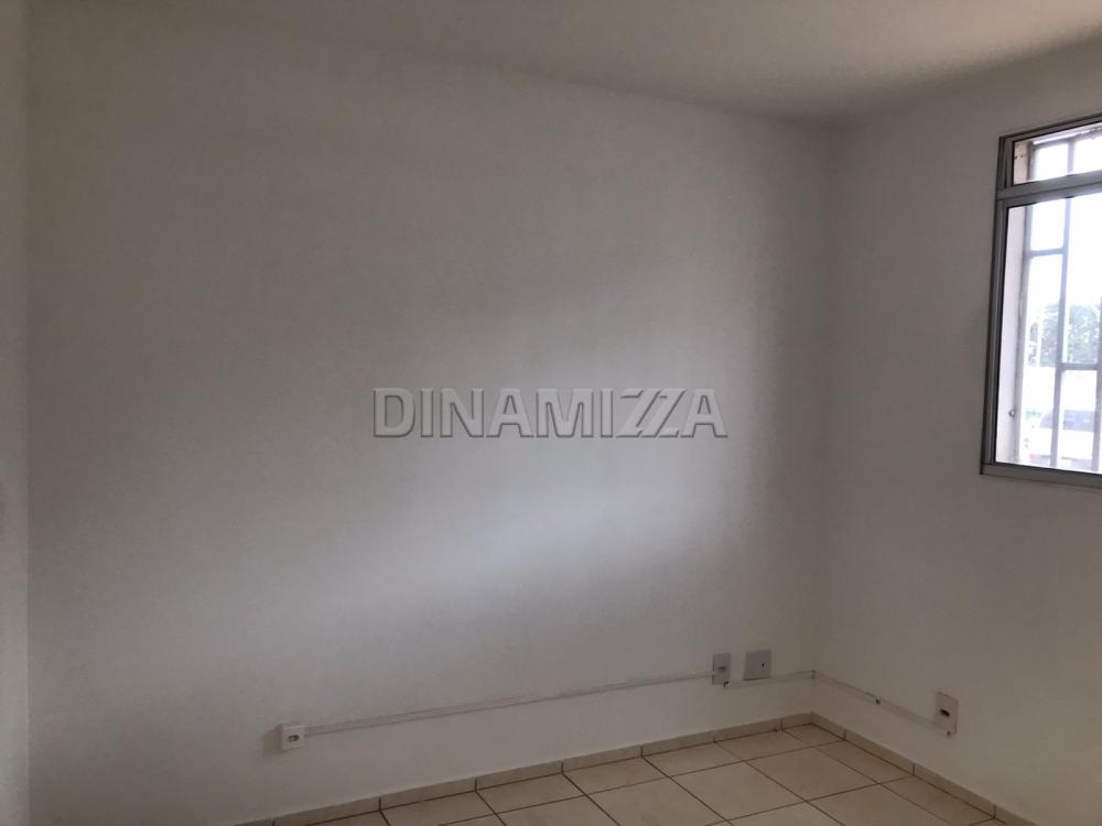 Alugar Apartamento / Padrão em Uberaba R$ 600,00 - Foto 6