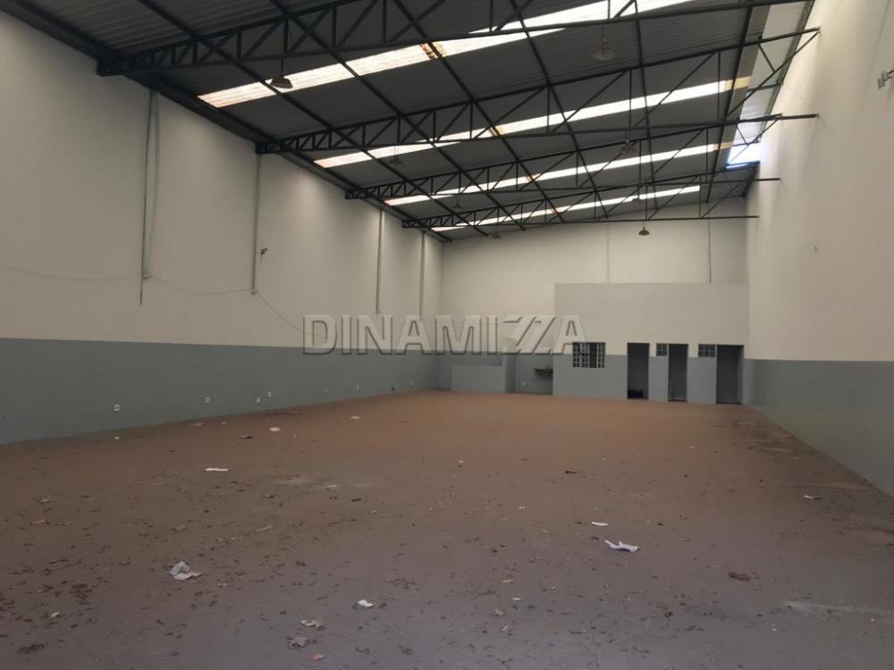 Alugar Comercial / Galpão/Barracão em Uberaba R$ 4.800,00 - Foto 2