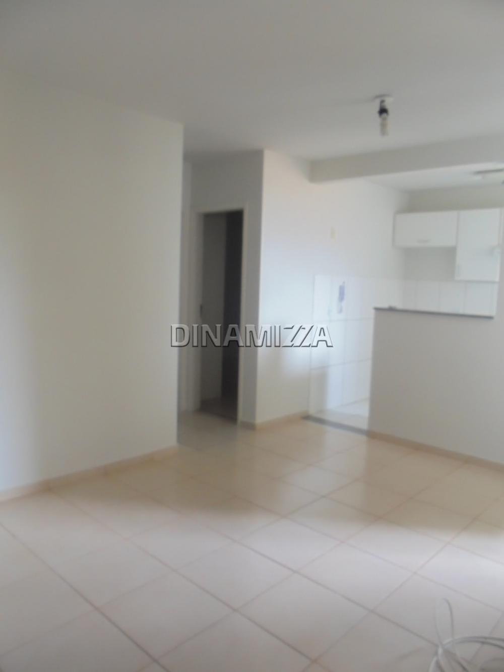 Comprar Apartamento / Padrão em Uberaba R$ 170.000,00 - Foto 2