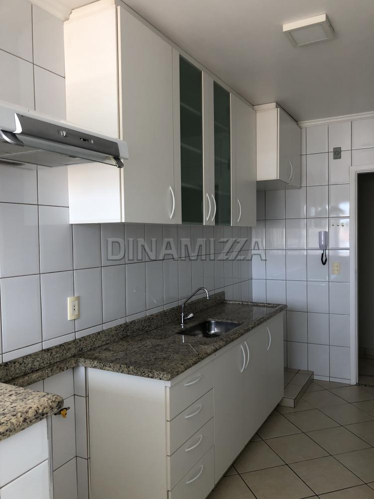 Alugar Apartamento / Padrão em Uberaba R$ 1.200,00 - Foto 9