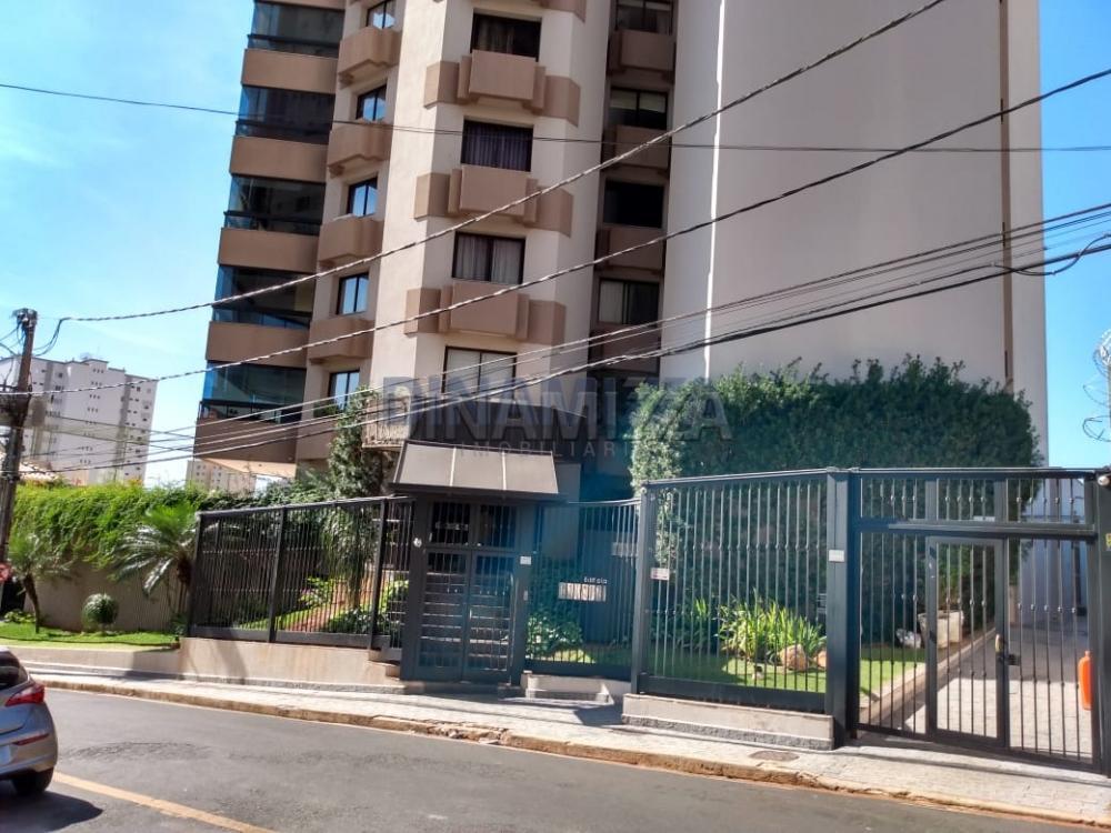 Uberaba Apartamento Locacao R$ 2.200,00 Condominio R$2.600,00 3 Dormitorios 3 Suites Area construida 305.00m2