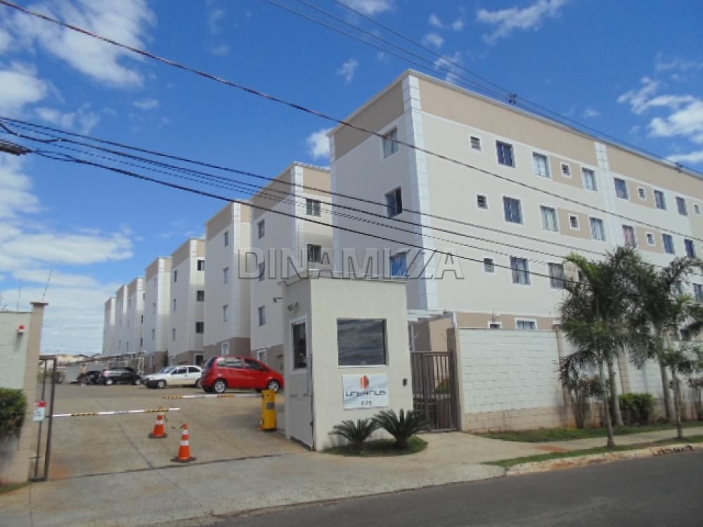 Comprar Apartamento / Padrão em Uberaba R$ 125.000,00 - Foto 1
