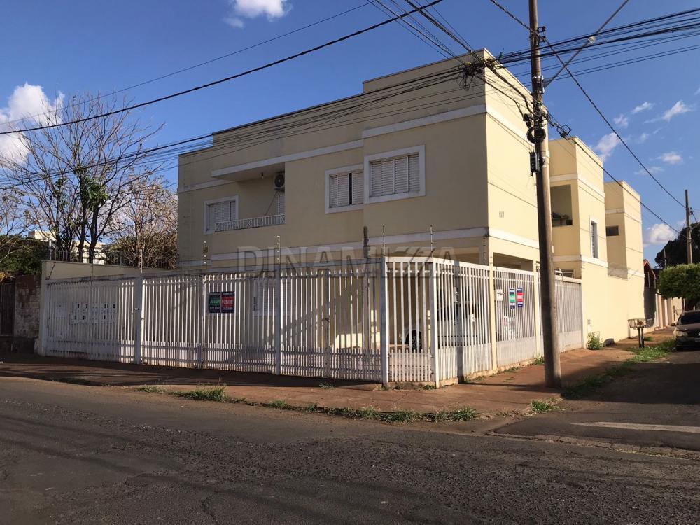 Alugar Apartamento / Padrão em Uberaba R$ 800,00 - Foto 1