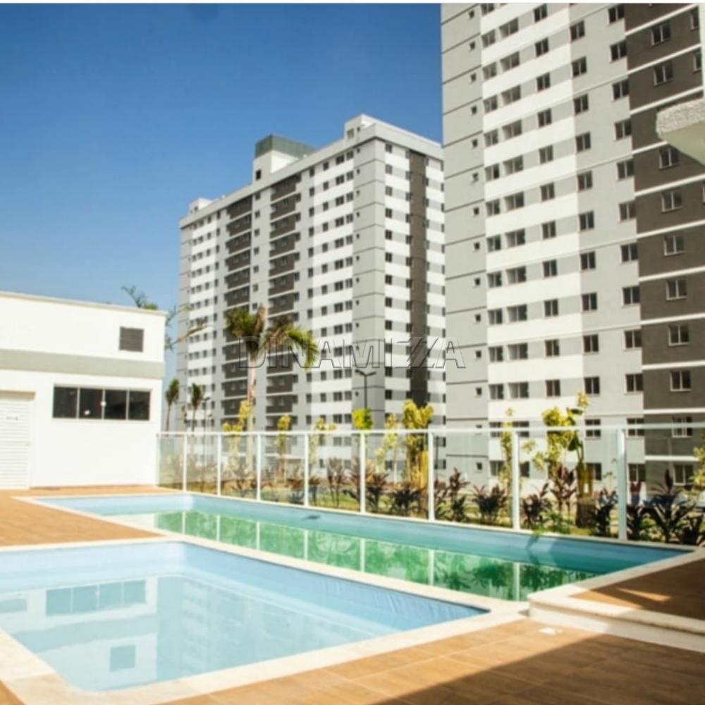 Alugar Apartamento / Padrão em Uberaba R$ 700,00 - Foto 5