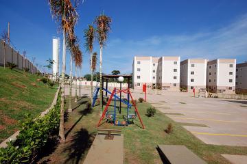 Comprar Apartamento / Padrão em Uberaba R$ 125.000,00 - Foto 3