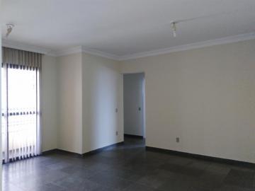 Alugar Apartamento / Padrão em Uberaba. apenas R$ 1.000,00