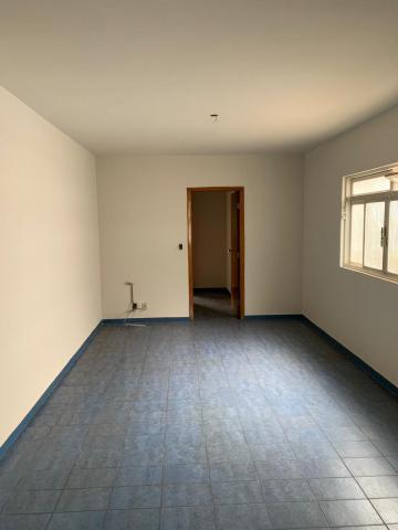 Alugar Casa / Padrão em Uberaba R$ 2.800,00 - Foto 6