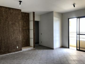 Alugar Apartamento / Padrão em Uberaba. apenas R$ 1.100,00
