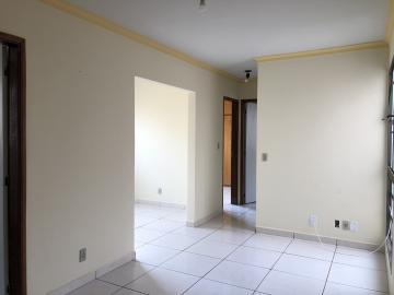Alugar Apartamento / Padrão em Uberaba. apenas R$ 600,00