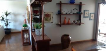 Alugar Apartamento / Padrão em Uberaba. apenas R$ 295.000,00