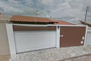 Alugar Casa / Padrão em Uberaba. apenas R$ 435.000,00