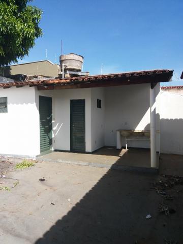 Casa / Padrão em Uberaba Alugar por R$1.300,00