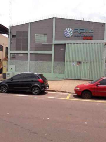 Alugar Comercial / Galpão/Barracão em Uberaba. apenas R$ 4.000,00
