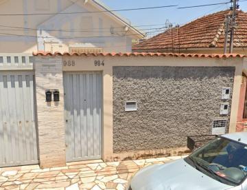 Casa / Padrão em Uberaba Alugar por R$700,00
