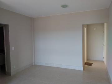 Alugar Apartamento / Padrão em Uberaba. apenas R$ 370.000,00