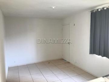 Alugar Apartamento / Padrão em Uberaba. apenas R$ 110.000,00