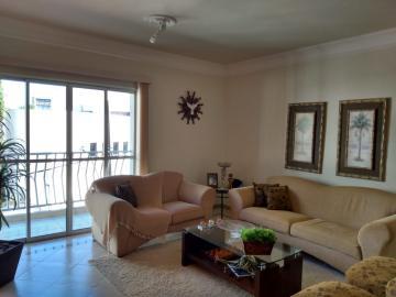 Apartamento / Padrão em Uberaba , Comprar por R$320.000,00