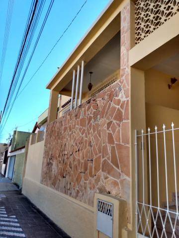 Casa / Padrão em Uberaba , Comprar por R$220.000,00