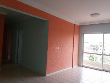 Alugar Apartamento / Padrão em Uberaba. apenas R$ 900,00