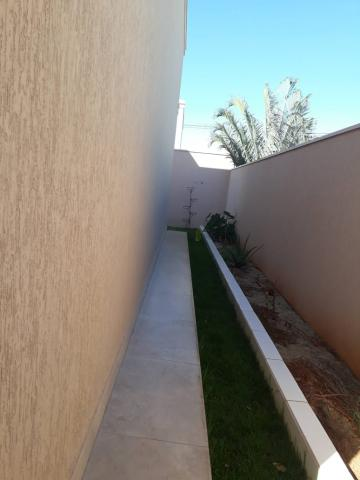 Comprar Casa / Padrão em Condomínio em Uberaba R$ 1.400.000,00 - Foto 2