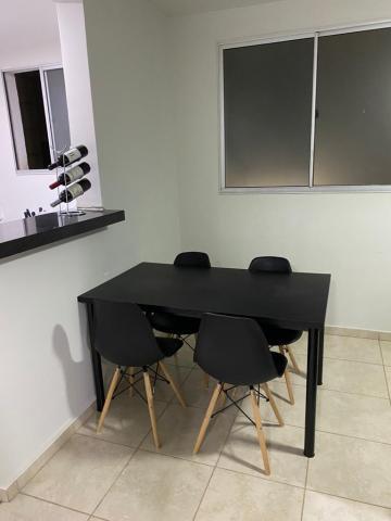 Alugar Apartamento / Padrão em Uberaba. apenas R$ 130.000,00