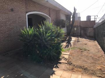 Alugar Casa / Padrão em Uberaba. apenas R$ 1.300.000,00