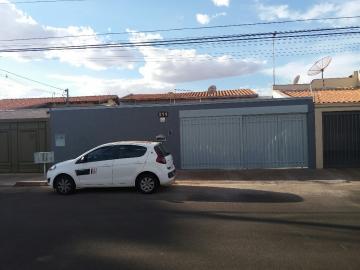 Alugar Casa / Padrão em Uberaba. apenas R$ 610.000,00