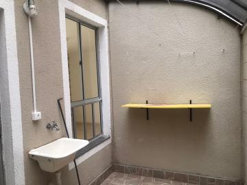 Alugar Apartamento / Padrão em Uberaba R$ 600,00 - Foto 5