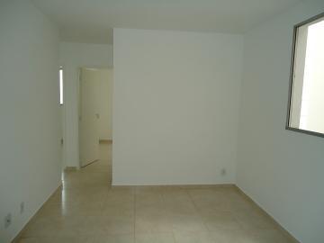 Alugar Apartamento / Padrão em Uberaba. apenas R$ 180.000,00