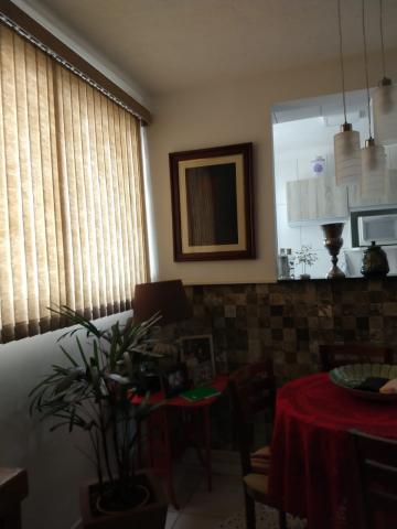 Alugar Apartamento / Padrão em Uberaba. apenas R$ 155.000,00
