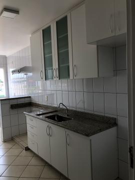 Alugar Apartamento / Padrão em Uberaba R$ 1.200,00 - Foto 8