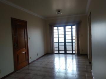 Alugar Apartamento / Padrão em Uberaba. apenas R$ 790,00