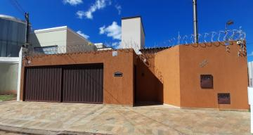 Uberaba Santos Dumont Casa Locacao R$ 3.500,00 3 Dormitorios 4 Vagas Area do terreno 360.00m2 Area construida 240.00m2