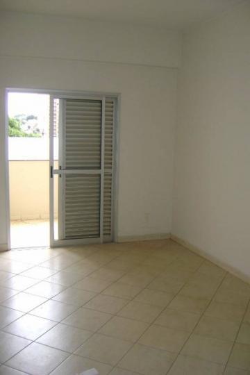 Alugar Apartamento / Padrão em Uberaba. apenas R$ 189.000,00